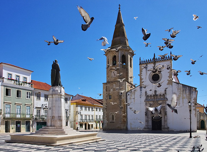 680-tomar-church-portugal.jpg