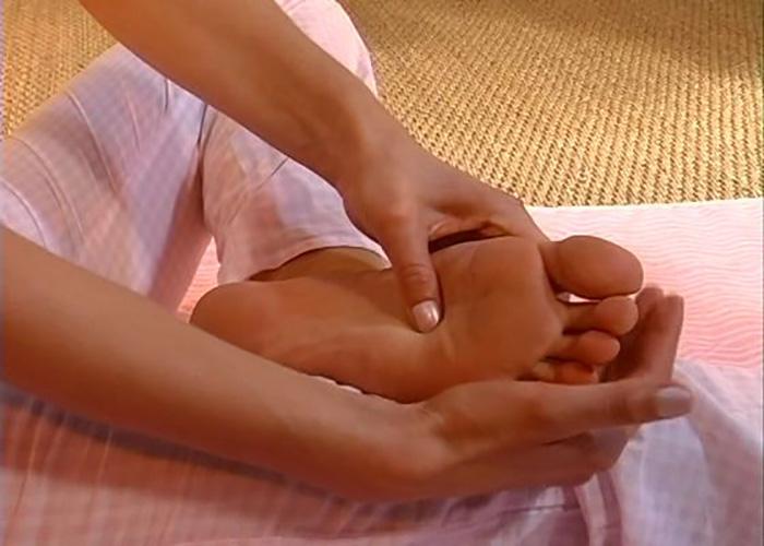 Как сделать себе массаж ступней ног 574