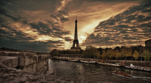 1411516803_sunrise-over-paris-the-view-from-the-bridge-of-the-eiffel-tower.jpg